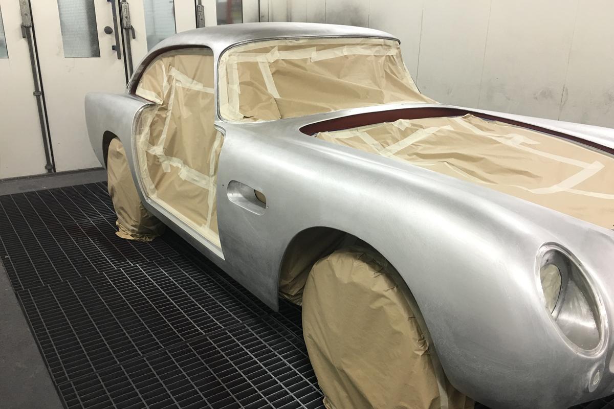 classic-ferrari-masked-1200